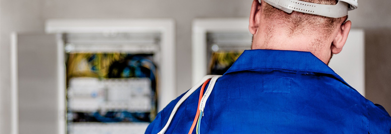 maintenance technician thumbnail - Why the Mobile Maintenance Workforce is Different